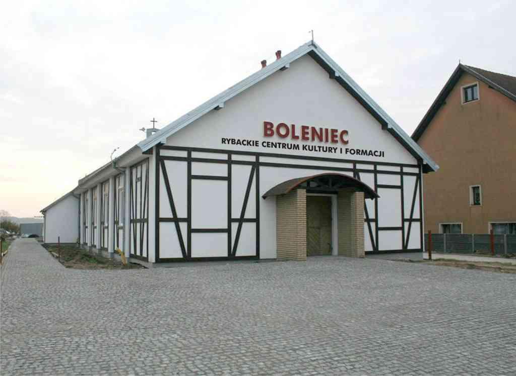 "Rybackie Centrum Kultury i Formacji ""Boleniec"" - fot. ks. kan. Zenon Myszk"
