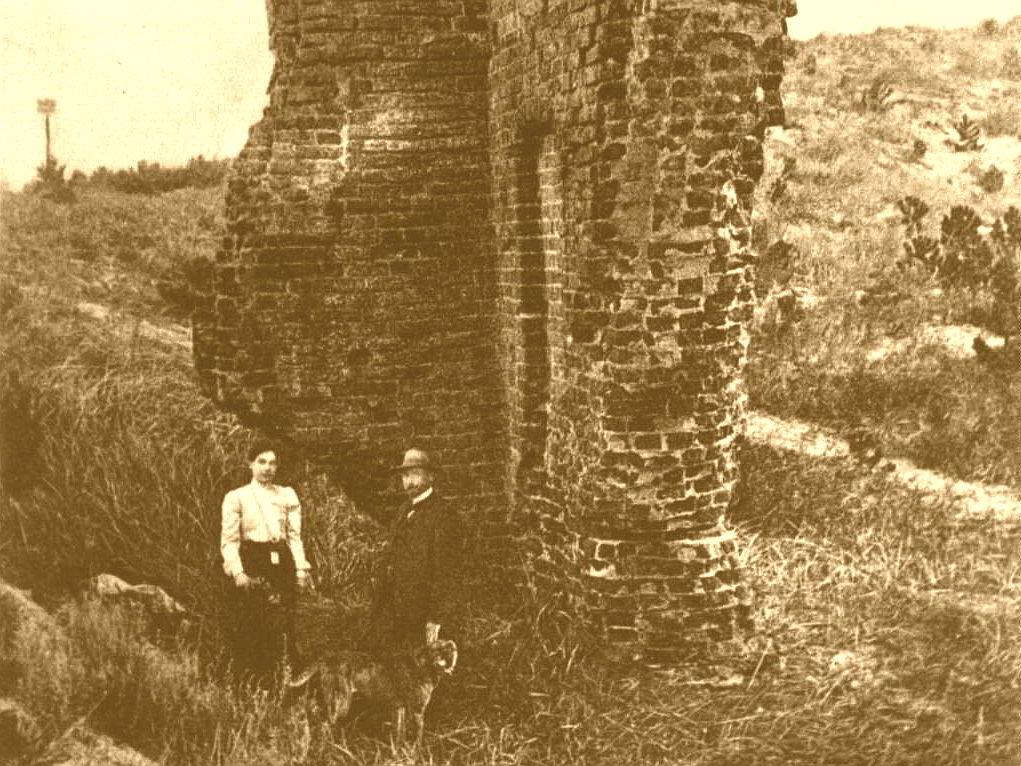 Ruiny starego kościoła - początek XX wieku.