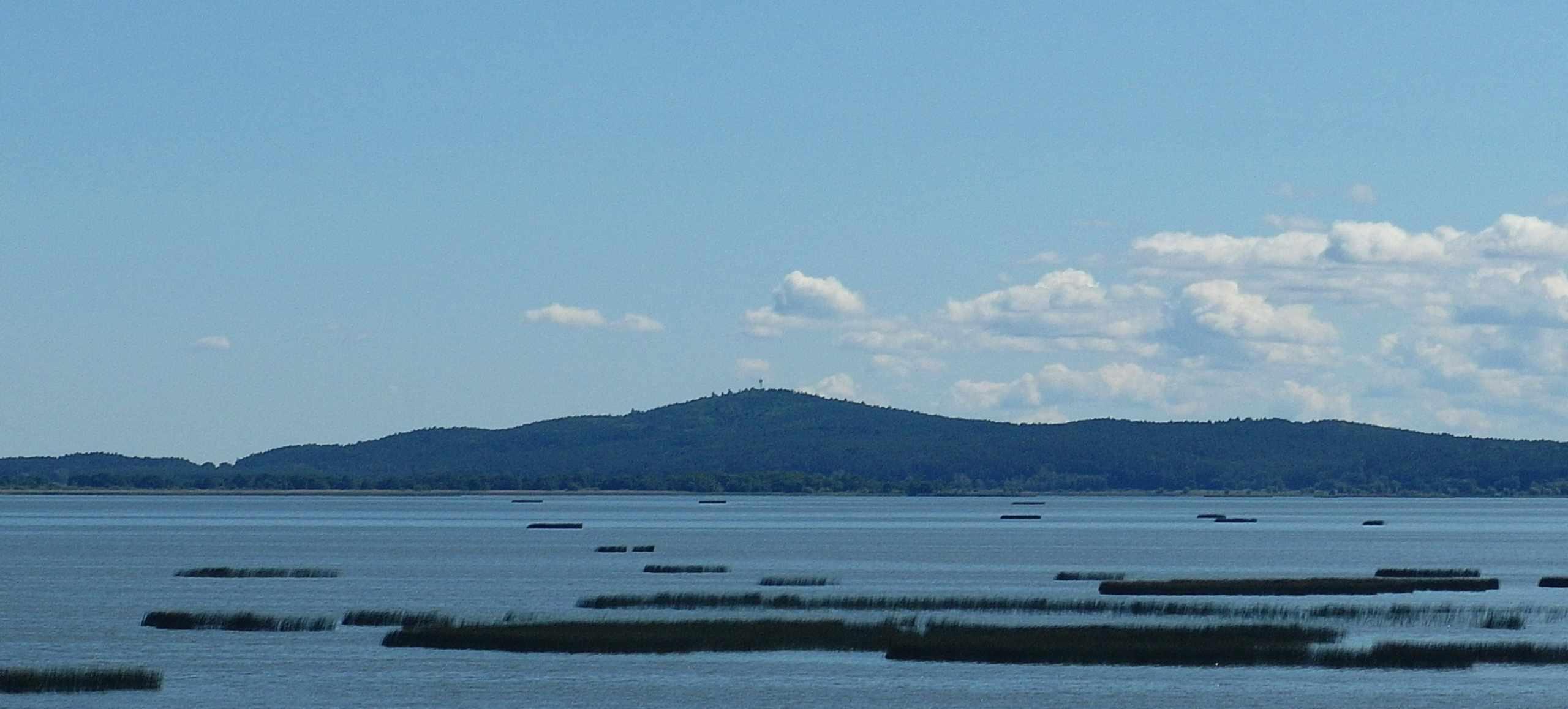 Rowokół - widok z Jeziora Gardno